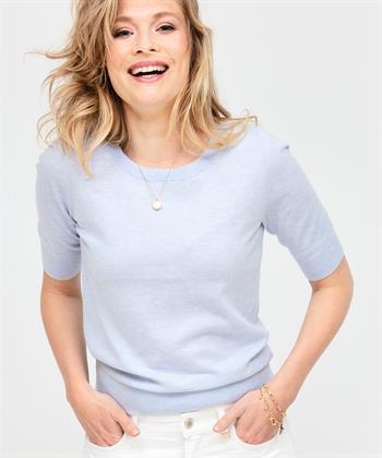 Giulia e Tu fein gestricktes Hemd