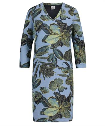 Kyra & Ko kleiden Lenore