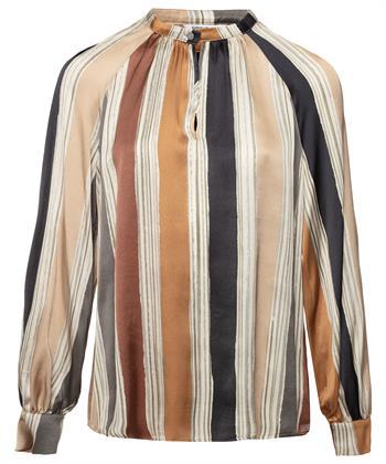 Vertikale Streifen der Bluse zusammenfassen